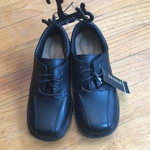 Boys dress shoes. Size 12
